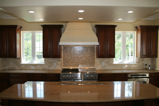 Custom Bayshore Home Kitchen